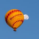 Questacon gorącego powietrza księżyc i balon obrazy stock