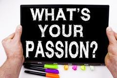 Question ce qui est votre texte de passion écrit sur le comprimé, ordinateur dans le bureau avec le marqueur, stylo, papeterie Co Photographie stock libre de droits