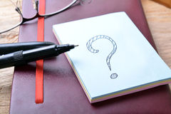 Question mark sticky note Royalty Free Stock Photography