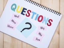 Questions, ce qui, quand, où, pourquoi, qui, comment 2 Photo stock