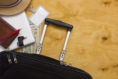Questions cruciales d'affaires de valise de voyageur Images stock