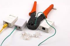 Quetschwerkzeug- und Netzeinfaßungen auf Weiß Lizenzfreie Stockbilder