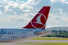 Queue de Turkish Airlines Airbus A321 Photo stock