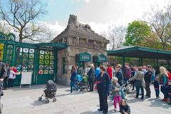 Queue to ticket's office of Zoo Royalty Free Stock Photos