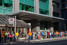 Queues waiting for Shuttle Bus Toronto Royalty Free Stock Image