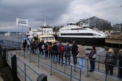 Queuing для корабля к Bygdoy Стоковая Фотография RF