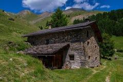 Queyras ceillac Bois noir в alpes hautes в Франции стоковое фото