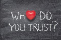 Quién usted confían en el corazón foto de archivo