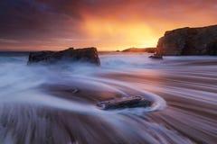 Quiberon-Küstenlinie bei Sonnenuntergang Lizenzfreie Stockbilder