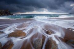 Quiberon-Küstenlinie in Brittany France Stockbild