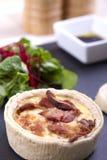 Quiche и салат Стоковое фото RF