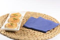 Quiche avec du fromage et la ciboulette Photographie stock