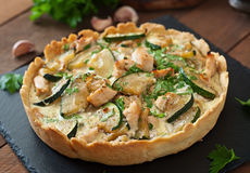 Quiche avec le poulet photo stock
