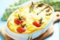 Quiche com aspargo e tomate Imagem de Stock Royalty Free