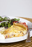 Quiche ed insalata Immagine Stock