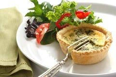 Quiche en Salade Royalty-vrije Stock Afbeelding