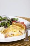 Quiche et salade Image stock