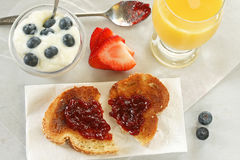 Quick Breakfast - horizontal Royalty Free Stock Photography