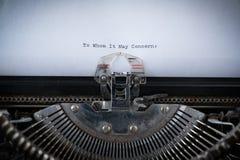 A quien pueda interesar mecanografiado en la máquina de escribir imágenes de archivo libres de regalías