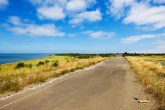 Quiet, estrada secundária na praia imagens de stock