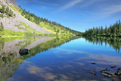 A quiet lake in the mountains of California. Stock Photography
