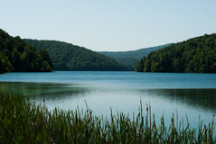 Quiet mountain lake Royalty Free Stock Photos