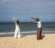 Quigong på stranden av Goa Arkivbilder