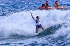 Quiksilver que practica surf Fotografía de archivo libre de regalías
