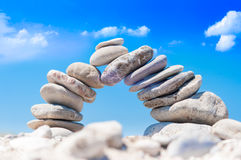 Équilibre de pont en pierre Images stock