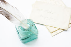 Quill & letras emplumados Imagem de Stock Royalty Free