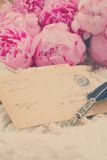 Quill pen and antique letters Royalty Free Stock Photography