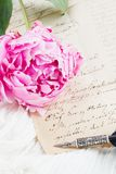 Quill pen and antique letters Royalty Free Stock Photos