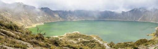Quilotoa sjö i Ecuador Arkivbilder