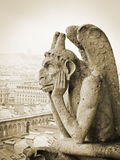 Quimera en Notre Dame de Paris foto de archivo