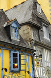 Quimper (Brittany): gamla hus Arkivfoto