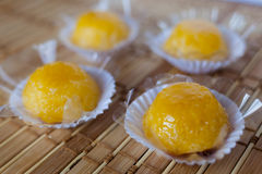 Quindim (brasilianische Süßigkeit) Stockbilder