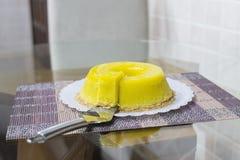 Quindim, Brazylijski deser - kolor żółty, wibrujący obrazy stock