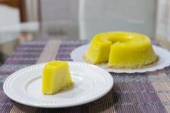 Quindim, Brazylijski deser - kolor żółty, wibrujący fotografia royalty free