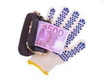 Quinientos euros en el guante y el monedero Fotos de archivo