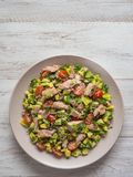Quinoa αβοκάντο τσίλι zesty σαλάτα με τον τόνο στοκ φωτογραφία με δικαίωμα ελεύθερης χρήσης