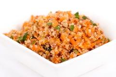 Quinoa και bulgur σαλάτα καρότων στοκ φωτογραφία