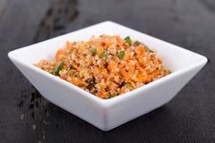 Quinoa και bulgur σαλάτα καρότων στοκ εικόνες