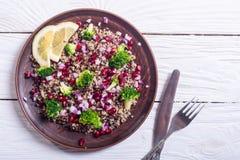 Quinoa σαλάτα με το ρόδι Στοκ φωτογραφίες με δικαίωμα ελεύθερης χρήσης