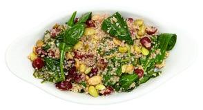 Quinoa σαλάτα των βακκίνιων σπανακιού που απομονώνεται Στοκ Φωτογραφίες