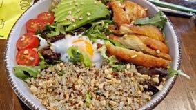 Quinoasalat lizenzfreie stockfotos
