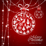 Quinquilharia branca no fundo vermelho do Natal Imagem de Stock