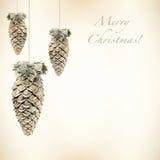 Quinquilharias brilhantes do Natal em um fundo retro Fotos de Stock Royalty Free