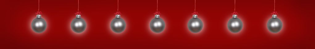 Quinquilharias de suspensão de prata do Natal imagem de stock