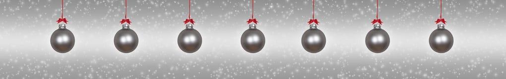 Quinquilharias de suspensão de prata do Natal fotografia de stock