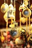 quinquilharias do Natal do ouro Foto de Stock Royalty Free